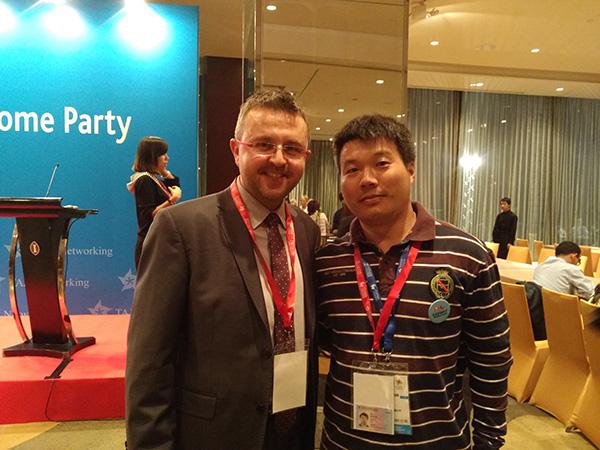 乐为美术积木参展2015中国玩具展,E2H25展位,乐为与国际媒体合影